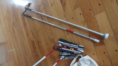 色々な種類の白杖