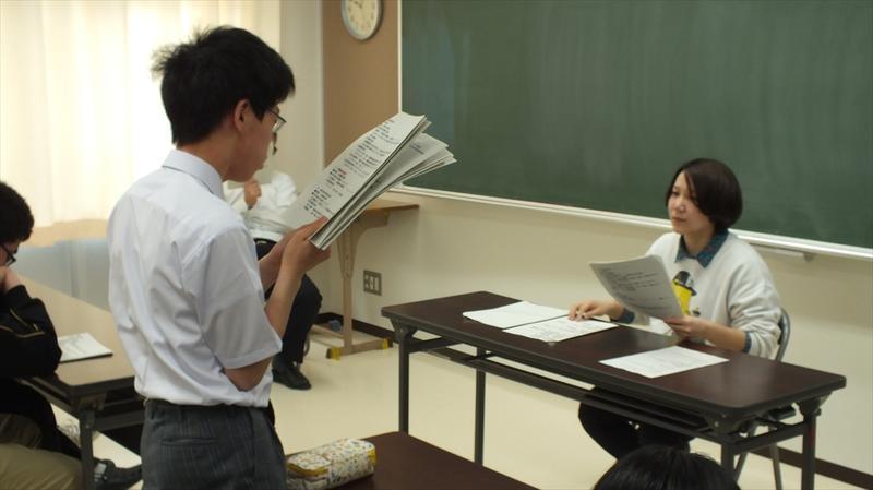 生徒の報告の様子